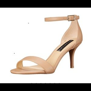 Steve Madden Viiena Sandals (Natural)